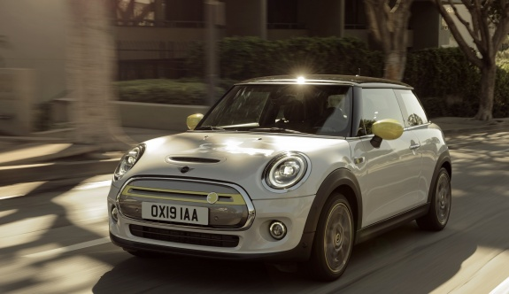 MINI ELECTRIC 270 KİLOMETRE MENZİLLE YOLLARA ÇIKIYOR