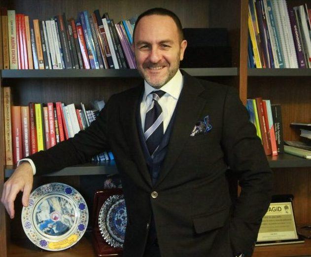 Prof. Dr. Emre Alkin 'Sadece üreterek olmaz; markalaşmak, tasarlamak gerek'
